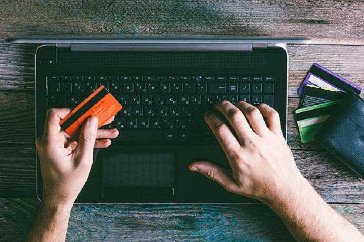 کلاهبرداری آنلاین
